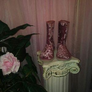 Adorable Pink Crushed Velvet Faux Sheepskin Boots